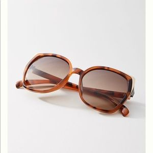 Anthropologie Mackenna oversize Square  Sunglasses